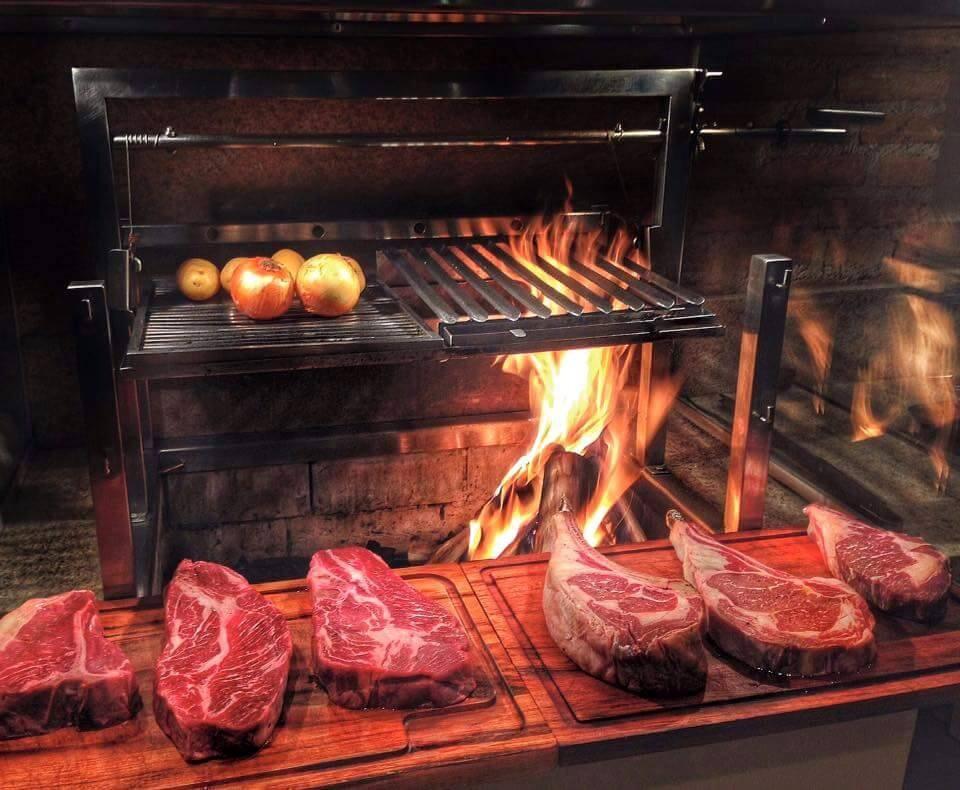 Megnyílt az ország egyik legjobb BBQ étterme Esztergomban